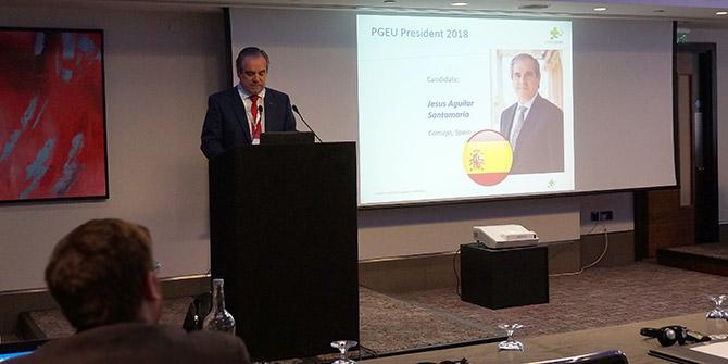 Jesús Aguilar, presidente del CGCOF, en el acto en el que es elegido presidente de la PGEU Europea
